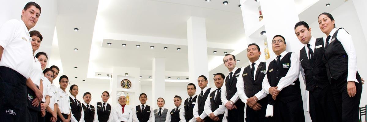 Restaurante Los Panchos equipo de profesionales a su servicio