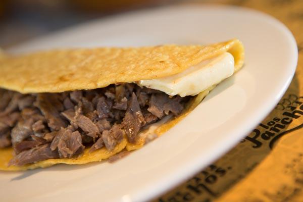Restaurante Los Panchos quesadilla bisteck con queso