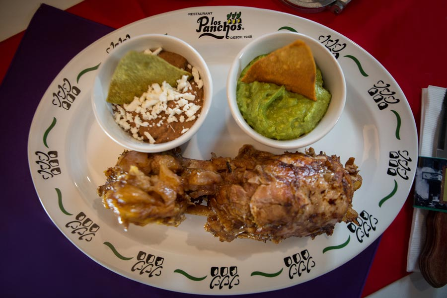 Restaurant Los Panchos México sucursal matriz anzures chamorro de carnitas