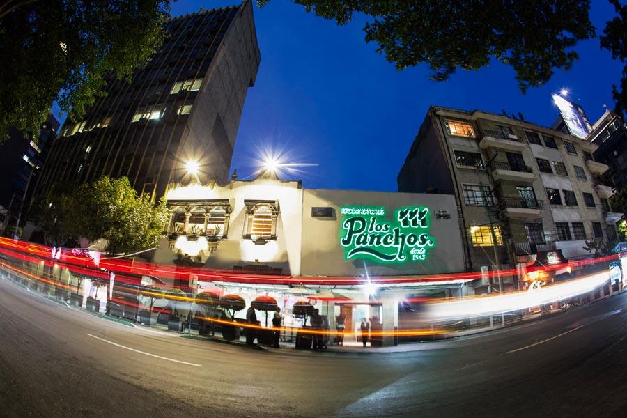 Restaurant Los Panchos México sucursal matriz anzures fachada de noche completa