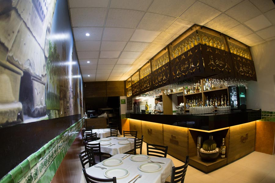Restaurant Los Panchos México sucursal matriz anzures barra frente