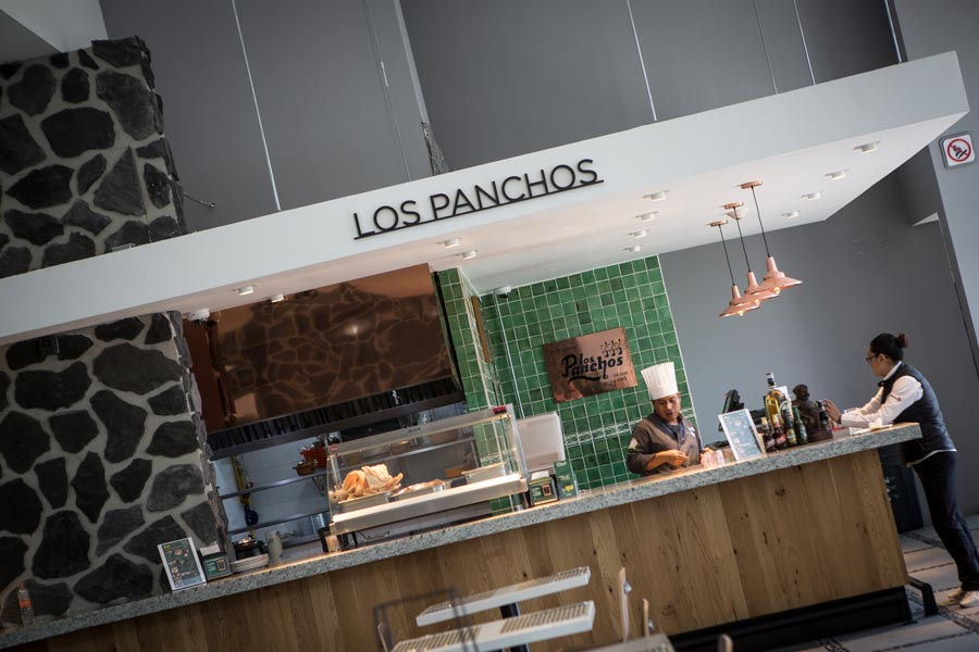 Restaurant Los Panchos México sucursal perisur barra