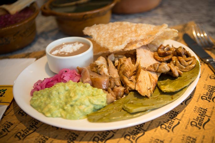 Restaurant Los Panchos México sucursal perisur plato ranchero