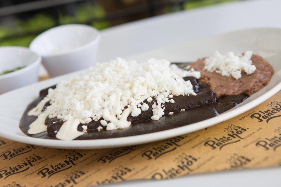 Restaurant Los Panchos México sucursal polanco enchiladas de mole