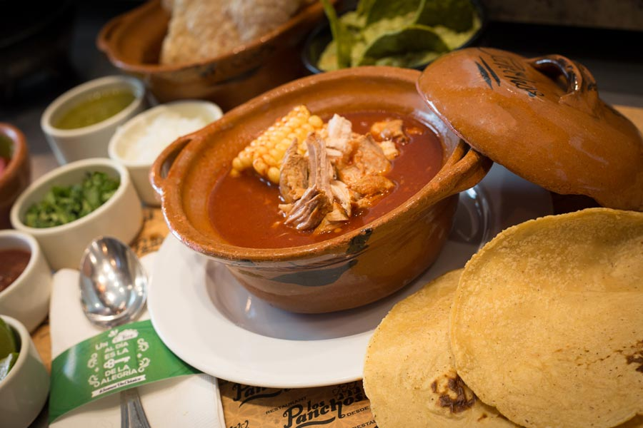 Restaurant Los Panchos México sucursal polanco mole de olla